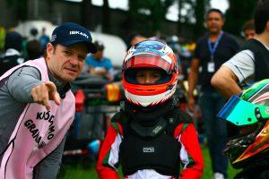Rubinho com seu filho Dudu Barrichello em sua primeira corrida de kart